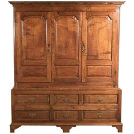 Fine Large Georgian Antique Wardrobe Linen Press