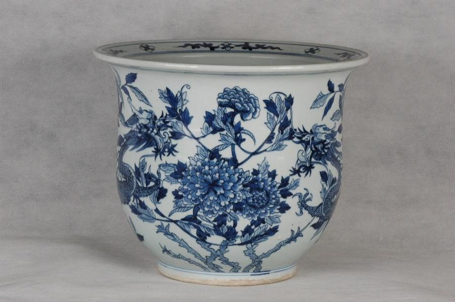 Large Chinese Qing Blue and White Jardiniere w Dragon ,