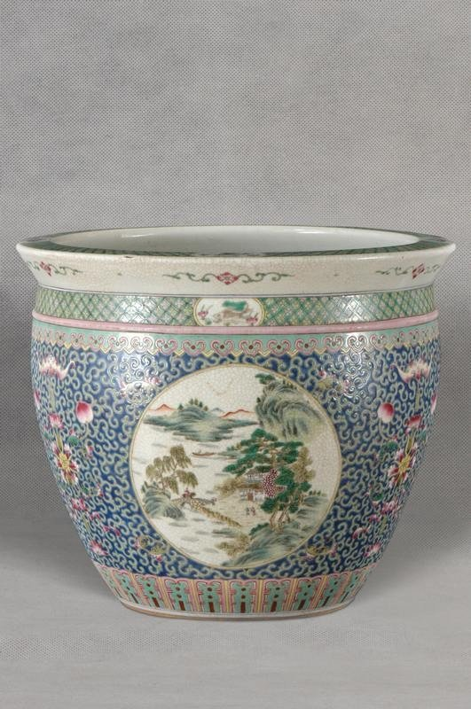 Large Chinese Qing Famille Rose Porcelain Jardiniere ,