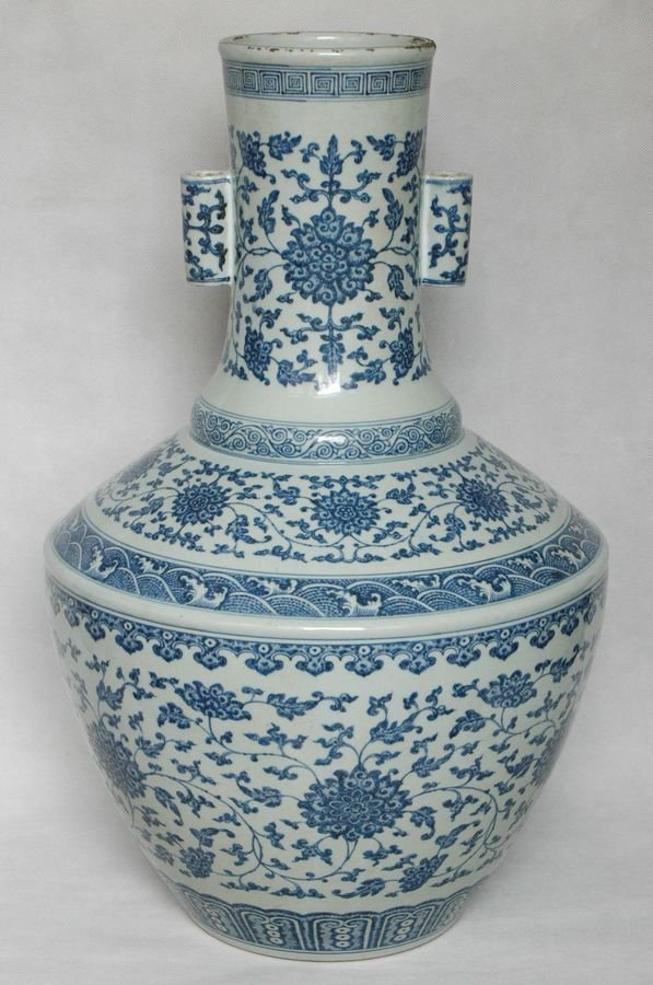 Masterpiece Huge Chinese Qing Blue and White Vase Qianl