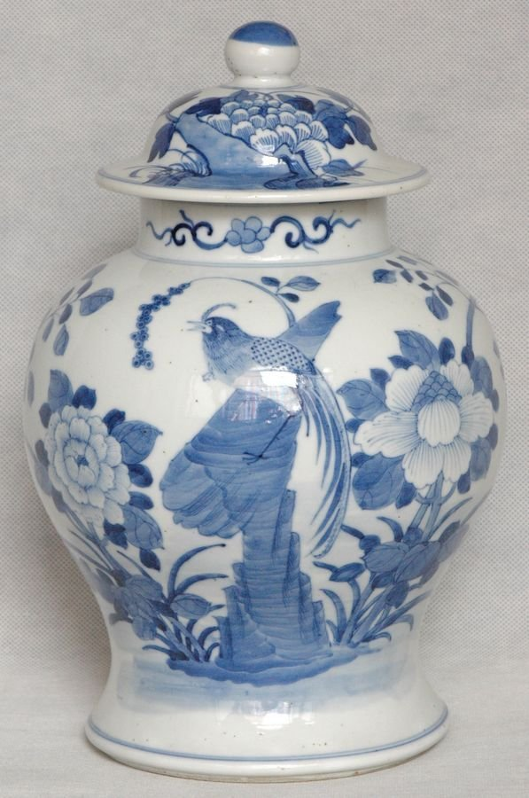 Large Chinese Blue and White Porcelain Jar 19C