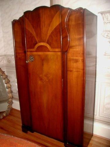 19300: Walnut Men's Wardrobe Burl Inlay C.1930's