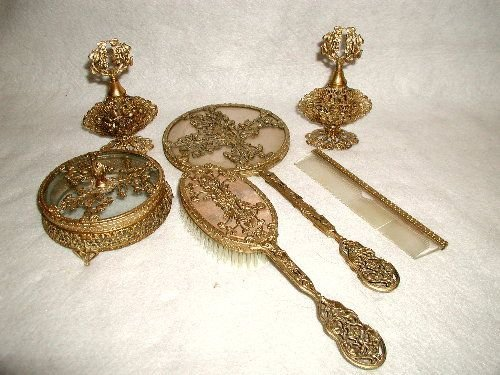 24K vanity set 7 pieces France C.1900