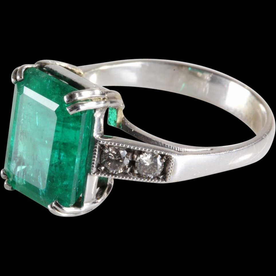 Emerald Diamond Ring | 18K White Gold | Vintage