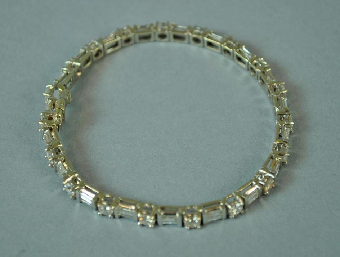 18K DIAMOND TENNIS BRACELET, 6.00CTW