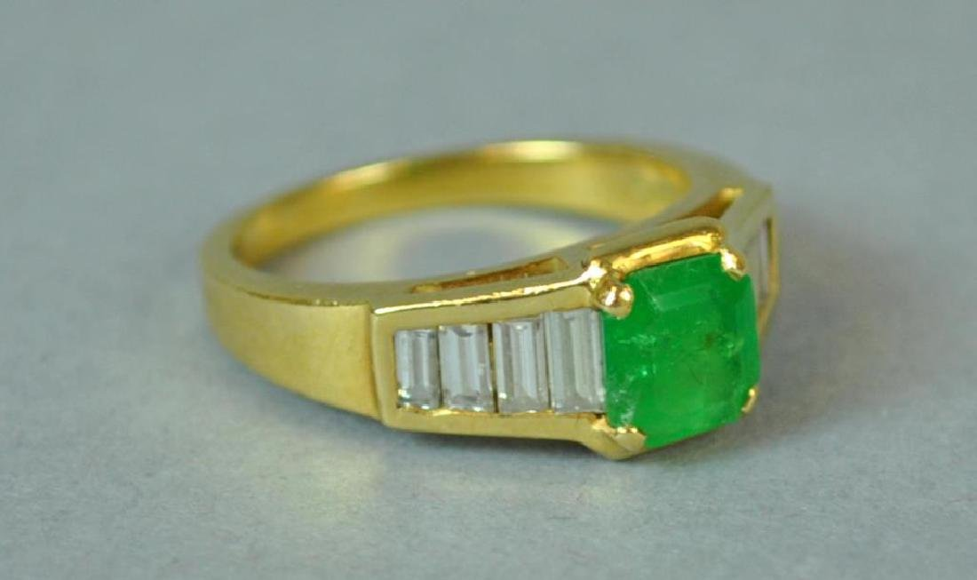 18K EMERALD & DIAMOND RING - 2