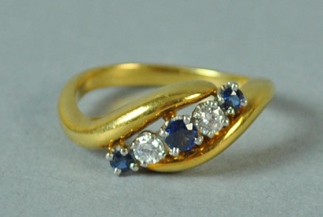 18K & PLATINUM DIAMOND & SAPPHIRE RING