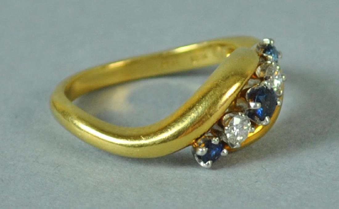 18K & PLATINUM DIAMOND & SAPPHIRE RING - 2
