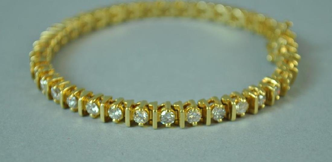 DIAMOND TENNIS BRACELET, 4.30CTW - 2