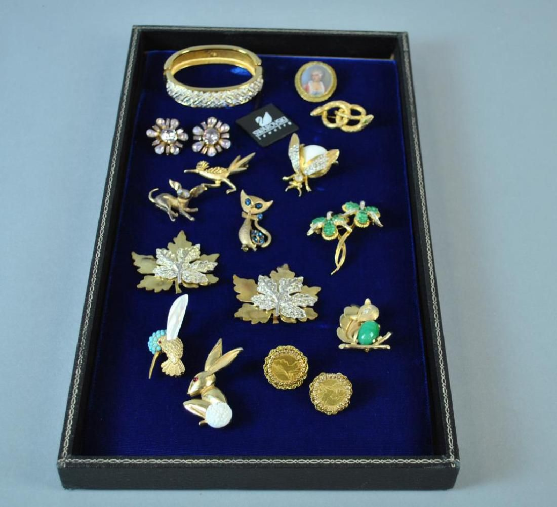 (15) PIECE SIGNED COSTUME JEWELRY GROUP
