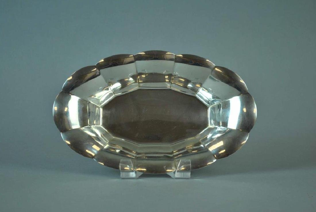 TIFFANY & CO. STERLING SCALLOPED BREAD BOWL