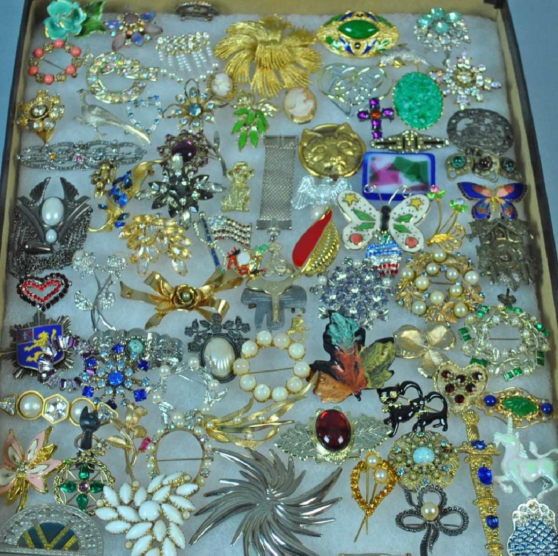 (70+) COSTUME JEWELRY PINS