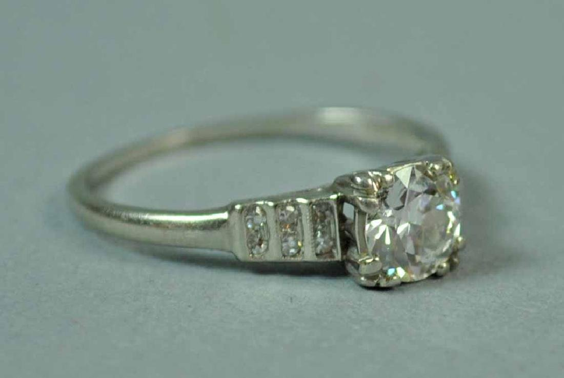 PLATINUM & DIAMOND ENGAGEMENT RING, 0.60CT