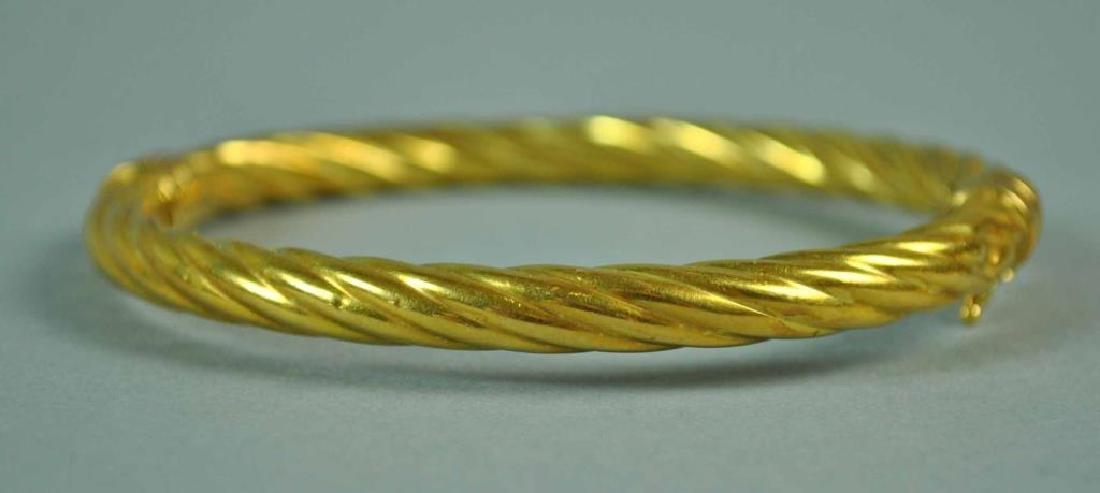 (2) ITALIAN GOLD HINGED BANGLE BRACELETS - 2