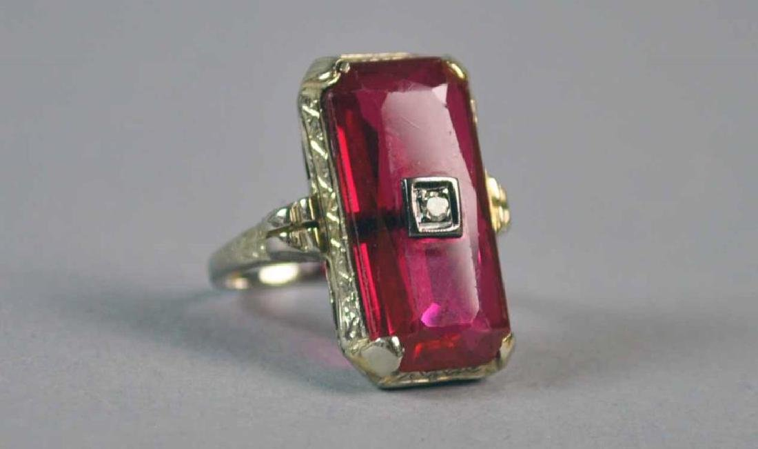 ART DECO 18K RED STONE RING