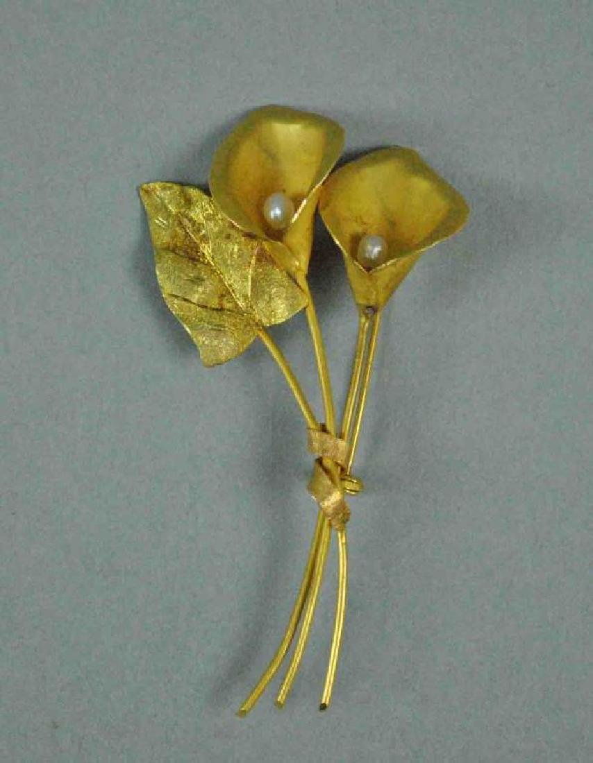 18K GOLD & BAROQUE PEARL CALLA LILY PIN