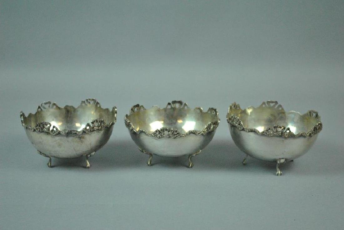 (3) CONTINENTAL 800 SILVER MONTEITH-FORM BOWLS