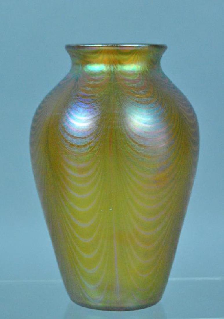 QUEZAL GOLD IRIDESCENT ART GLASS VASE