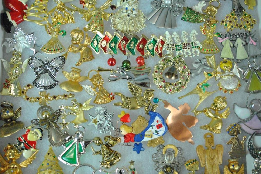 (300+) COSTUME CHRISTMAS JEWELRY, MOSTLY PINS - 2