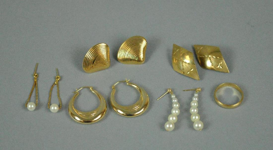 (5) PAIRS 14K EARRINGS AND A WEDDING BAND