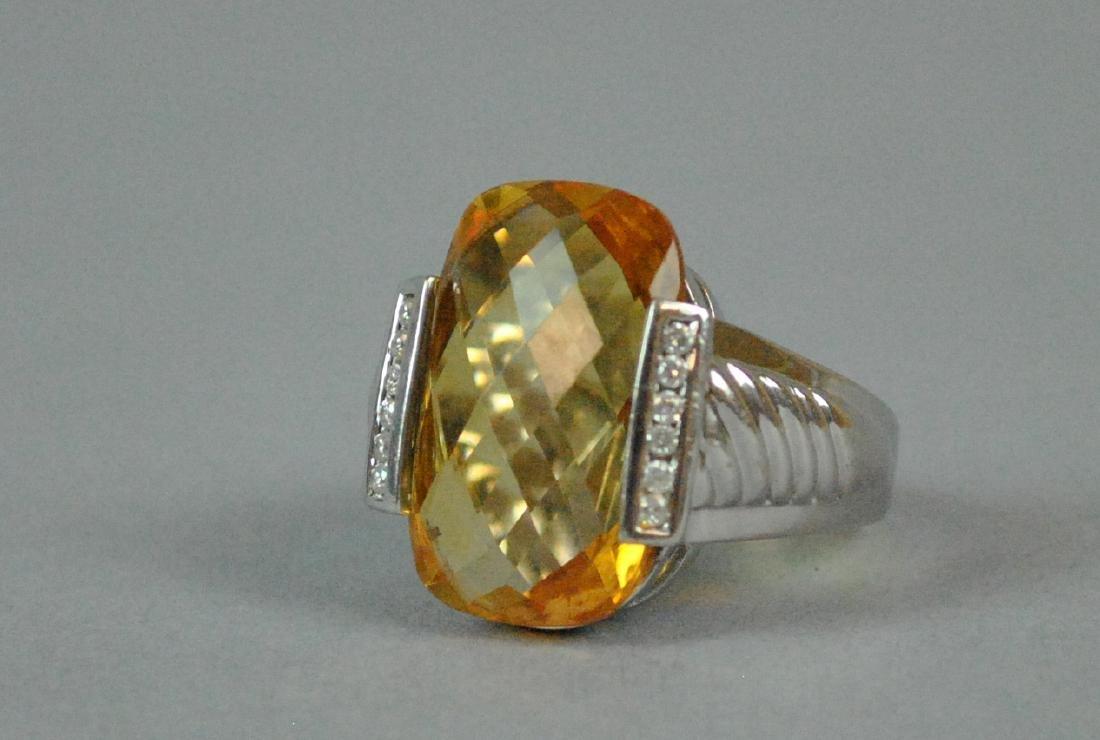14K GOLDEN BERYL & DIAMOND RING