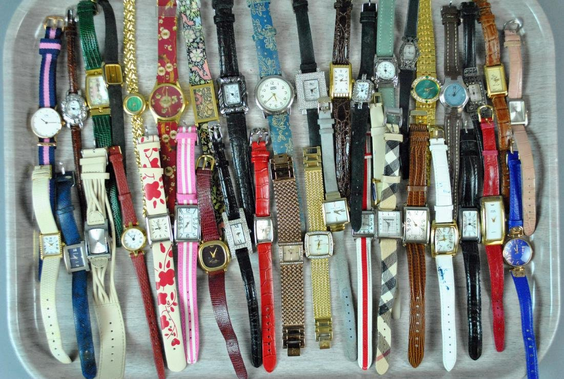 (100+) ASSORTED LADIES FASHION WATCHES - 3