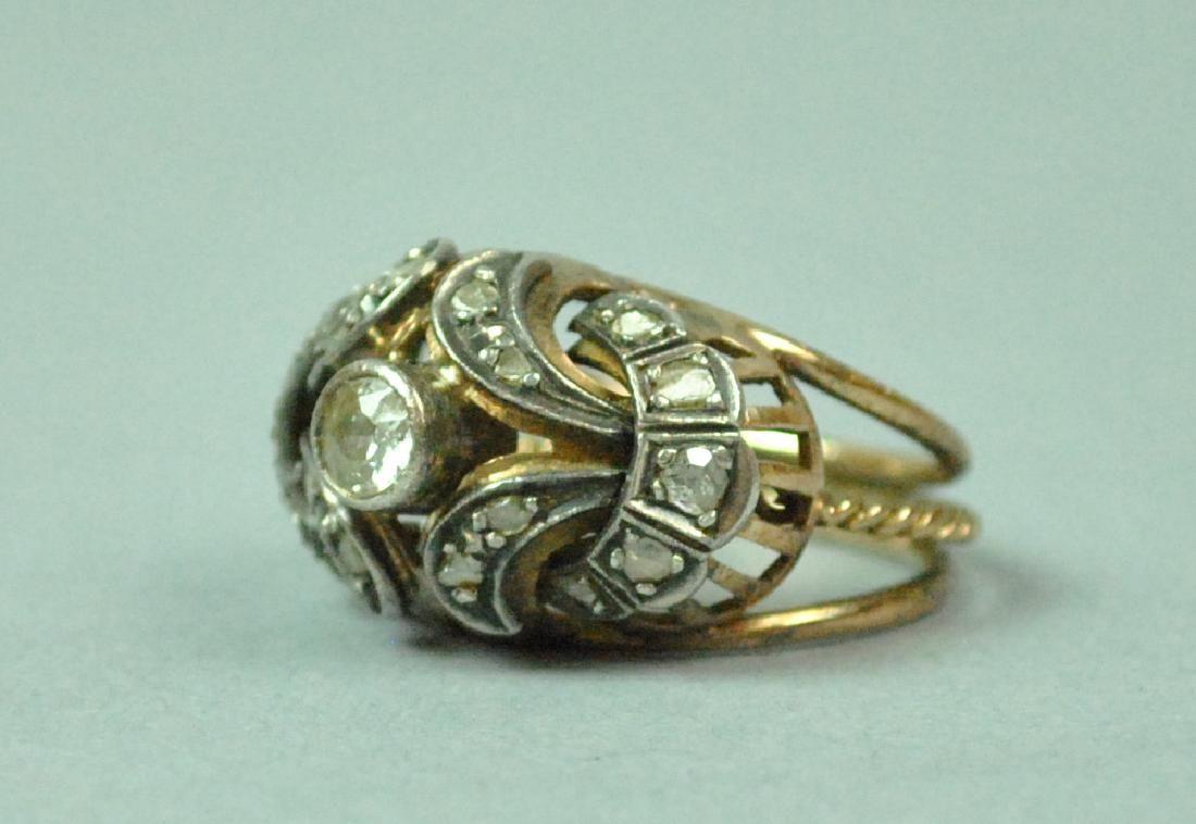 18K VICTORIAN DIAMOND FANCY RING, 0.90CTW
