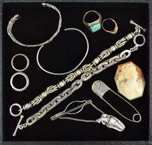 9 PIECE SIVER JEWELRY GROUP AND A GOLD RING