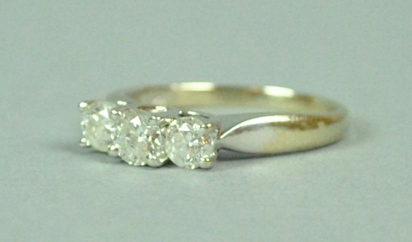 14K TRIPLE DIAMOND RING