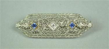 ART DECO PLATINUM-TOP DIAMOND FILIGREE BAR PIN