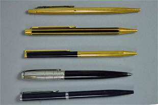5 COLLECTIBLE ROLLER PENS