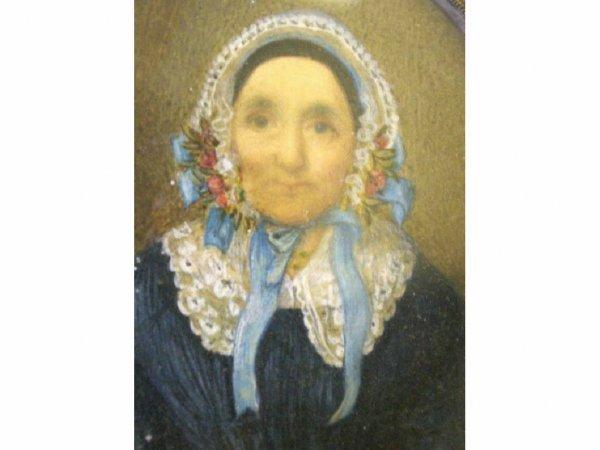 17: WATERCOLOR PORTRAIT MINIATURE OF A MATRONLY WOMAN
