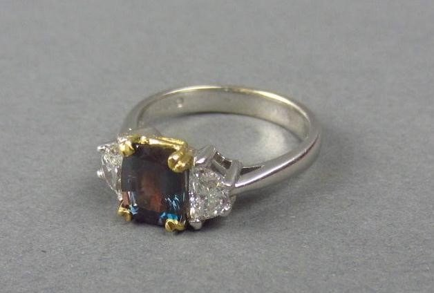129: ALEXANDRITE AND DIAMOND RING, 2.19CTW