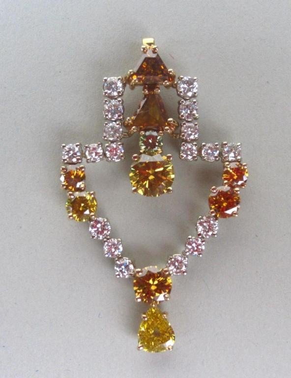 133: YELLOW AND WHITE DIAMOND PENDANT, 6.50CTW
