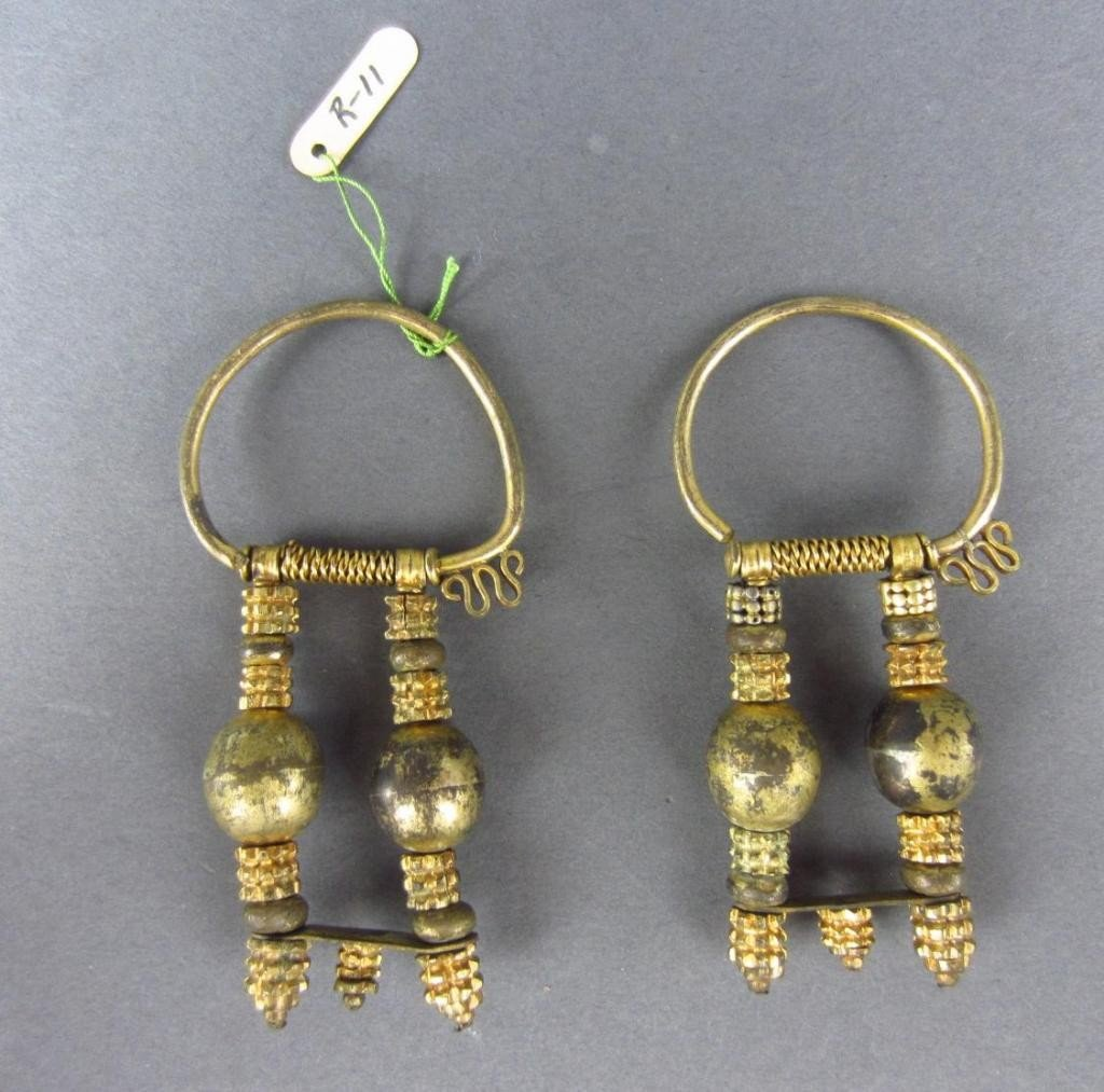 21: PAIR OF EARRINGS, RUSSIA 17TH CENTURY
