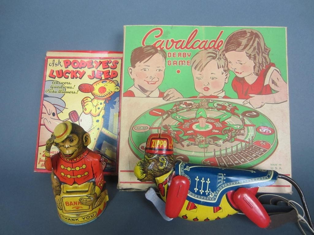 323: GROUP OF FOUR VINTAGE COLLECTIBLE TOYS AND GAMES