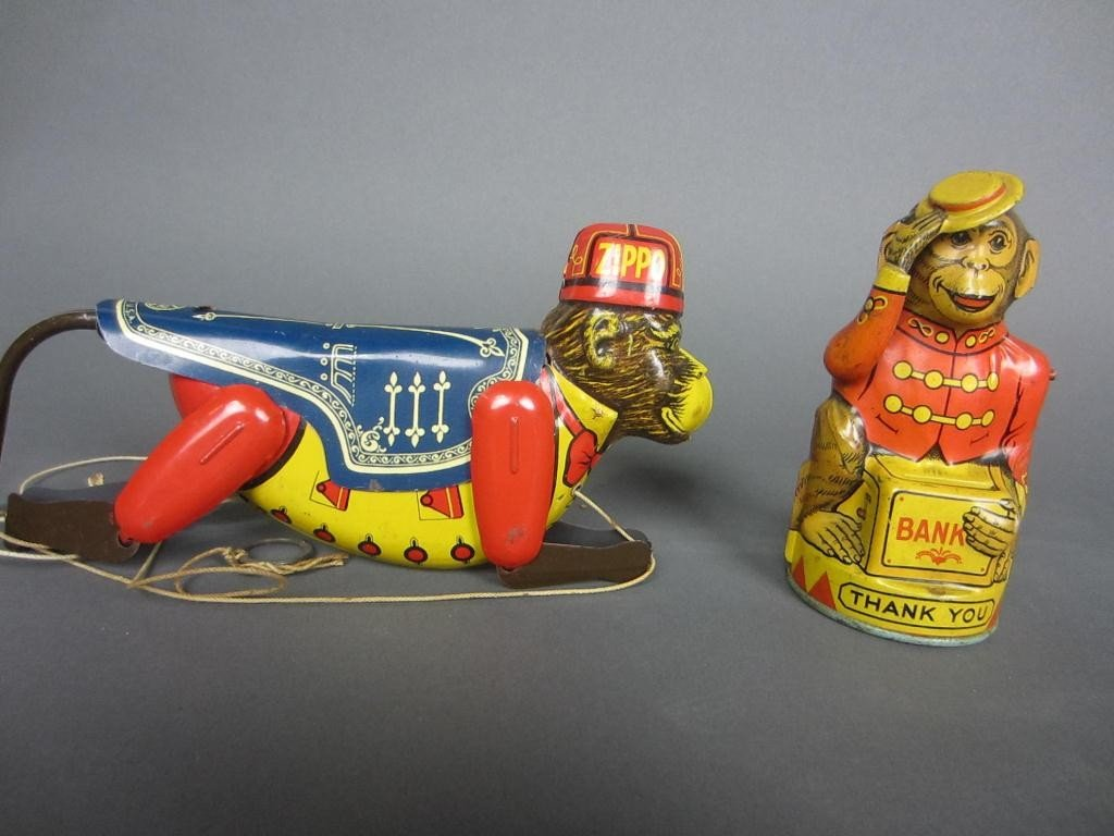 323: GROUP OF FOUR VINTAGE COLLECTIBLE TOYS AND GAMES - 3