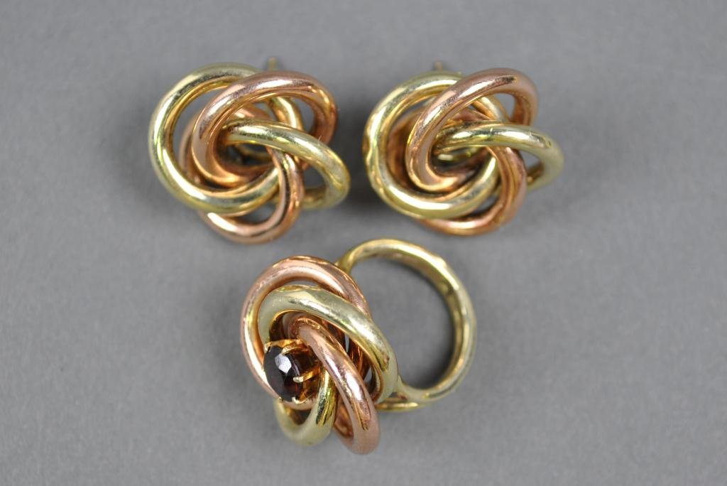 39: TIFFANY BI-COLOR SWIRL RING & EARRING SUITE