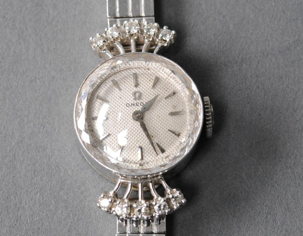 40: OMEGA 14K WHITE GOLD & DIAMOND LADIES WATCH