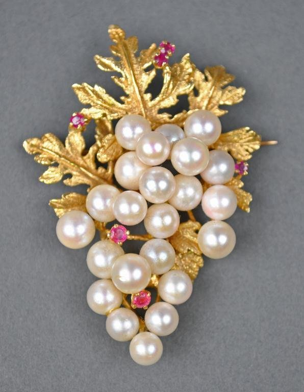 41: GOLD, PEARL & RUBY LEAF PIN / BROOCH