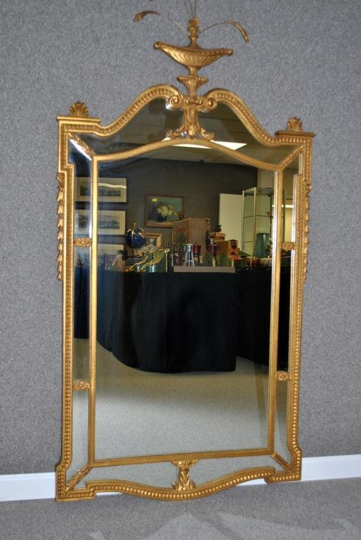 62: NEOCLASSICAL-STYLE GILTWOOD WALL MIRROR