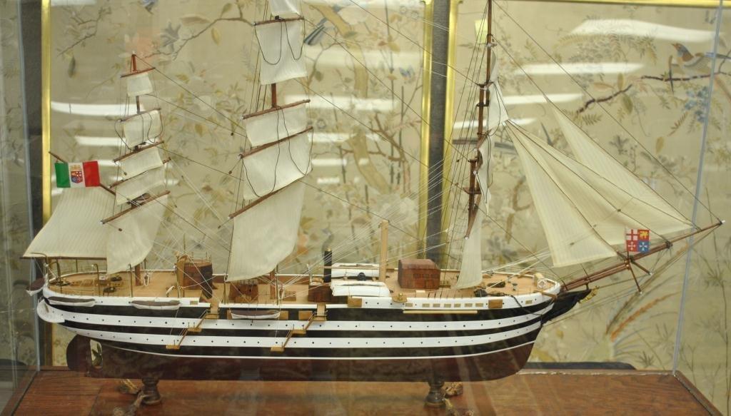 66: LARGE SHIP MODEL OF THE AMERIGO VESPUCCI