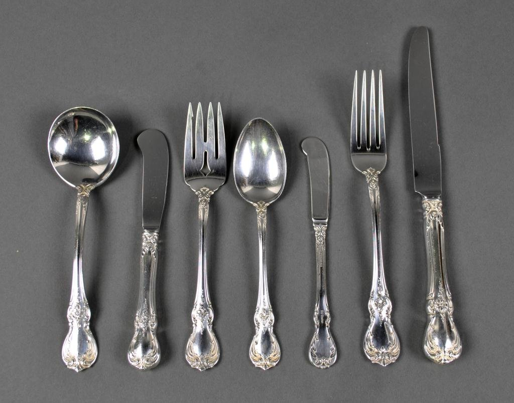 18: 126-PIECE TOWLE STERLING FLATWARE SERVICE