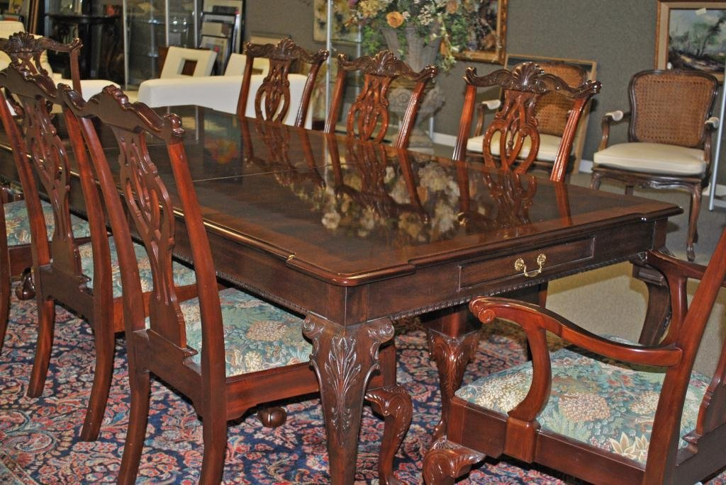 319: CHIPPENDALE DINING TABLE BY HENREDON