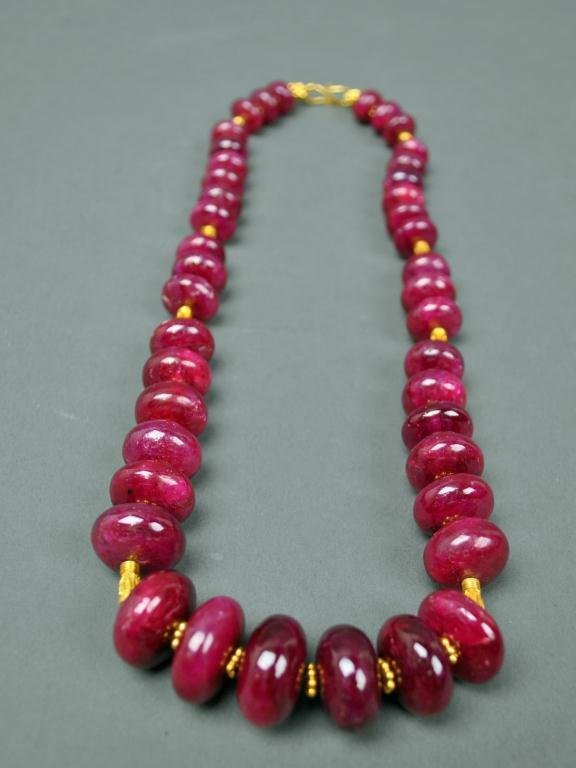 6: 22K YELLOW GOLD AND RUBY BEADED NECKLACE