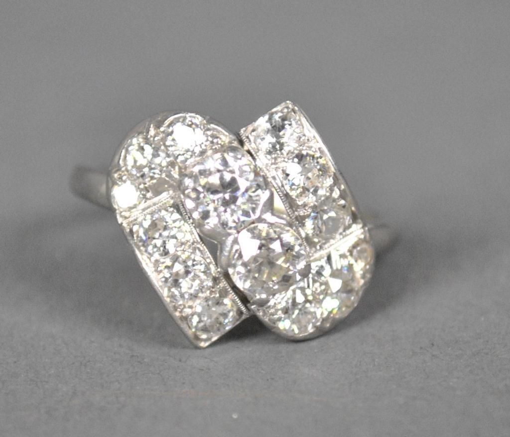 10: PLATINUM AND DIAMOND CLUSTER RING, 2.30CTW