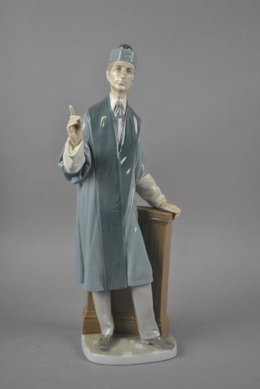 LLADRO FIGURINE - THE BARRISTER