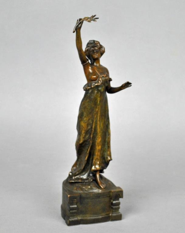 VIENNA BRONZE FIGURE OF A LADY, SIGNED RUFF