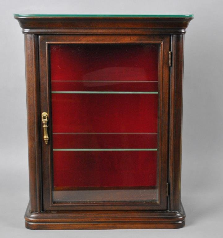 ILLUMINATED HANGING OR TABLE-TOP CURIO CABINET
