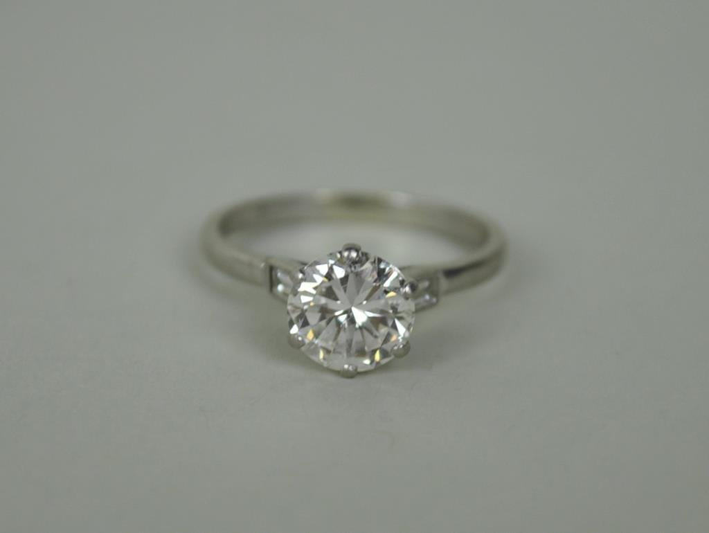 PLATINUM & DIAMOND ENGAGEMENT RING, 1.50CT